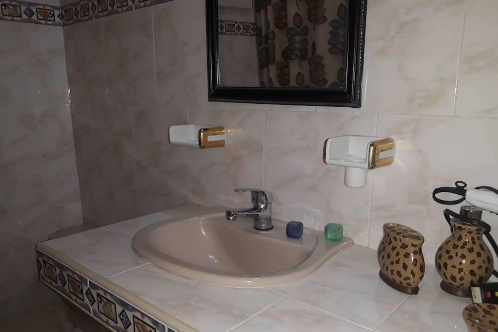 Quarto Triplo Comfort - Casa de banho