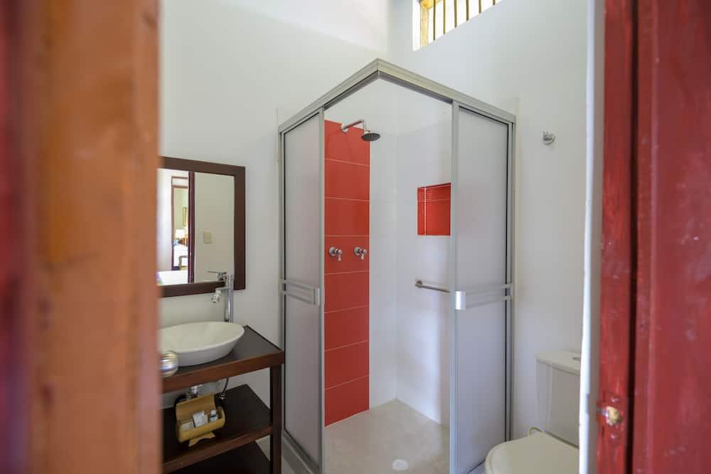 Standardni suite, Više kreveta - Kupaonica