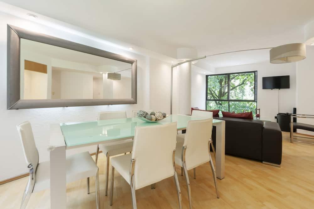 Стандартні апартаменти - Обіди в номері