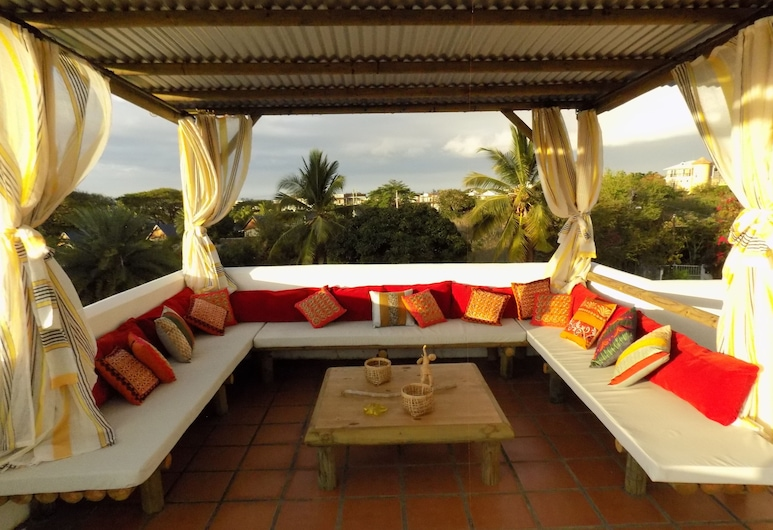 villa Osumare, Flic-en-Flac, Terrace/Patio