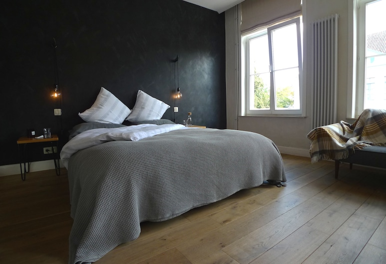 The Doghouse B&B, Bruges, Canal Double Room, Canal View, Guest Room