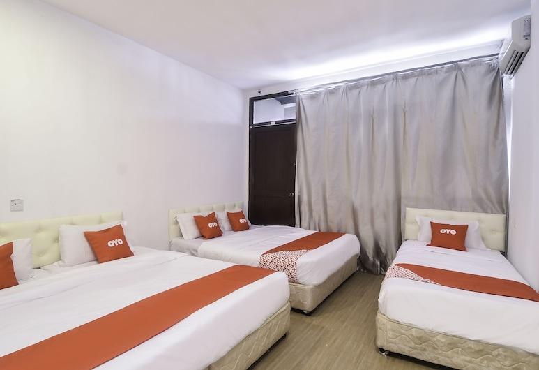 OYO 44017 LC 頂級住宿飯店, 古晉, 家庭雙人房, 客房