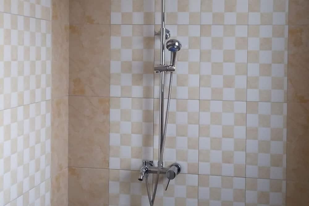 Deluxe - kahden hengen huone - Kylpyhuoneen suihku