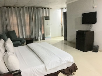 Picture of Etal Hotels and Halls Lkeja in Lagos