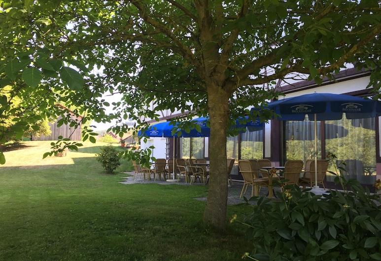 Landhotel Weisses Ross, Bad Brüeckenau, Jardín