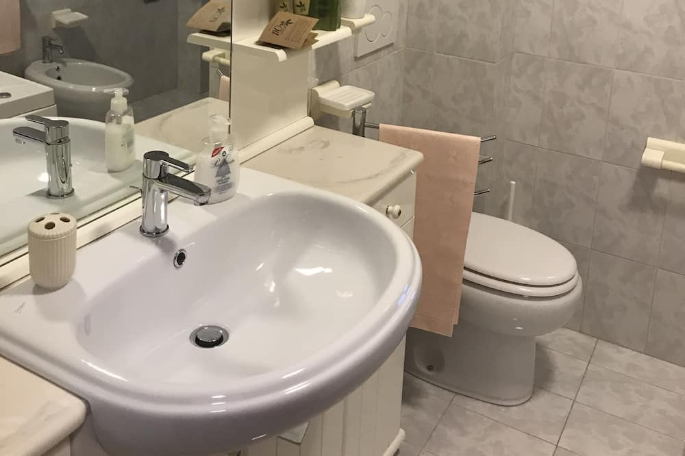 Chambre Triple (D'Annunzio) - Salle de bain