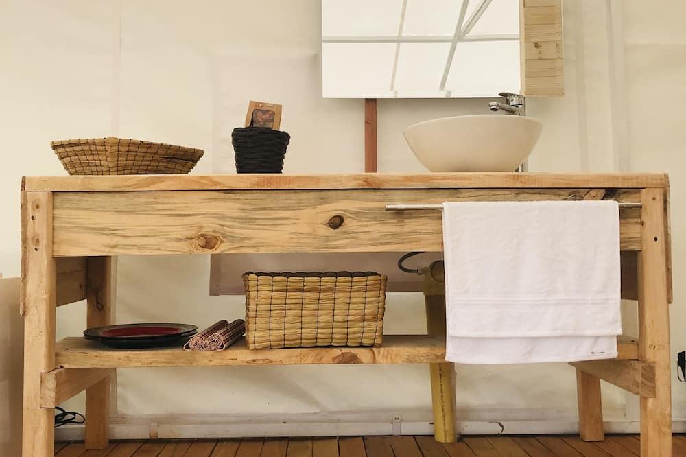 Design Tent - Bathroom Amenities