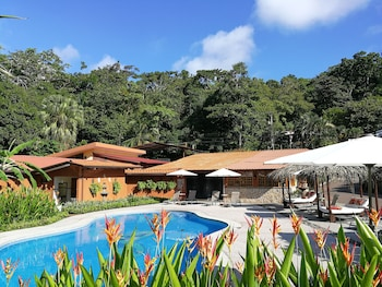 Enter your dates to get the Manuel Antonio hotel deal