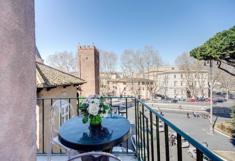 HI River View apartment, Rome, Family Apartment, 2 Bedrooms, Balcony