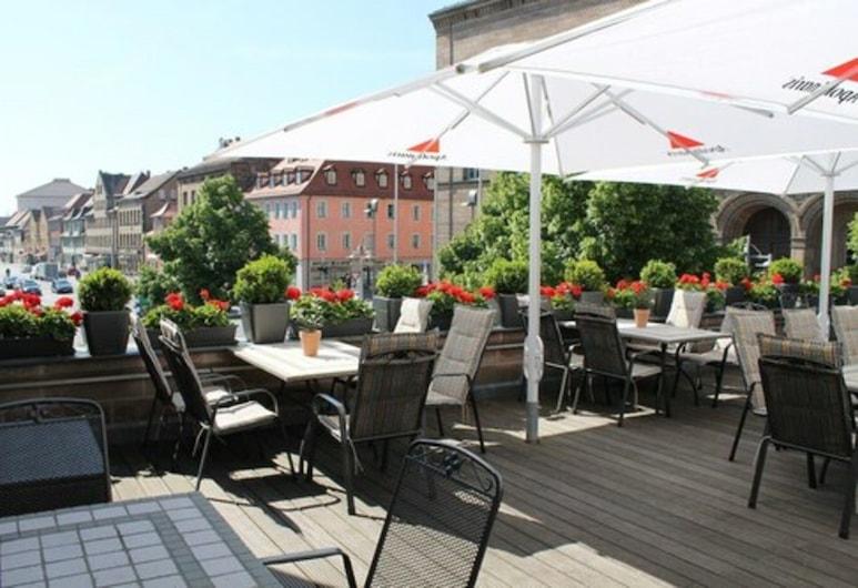 Hotel & Restaurant Schwarzes Kreuz, Fuerth, Terrace/Patio