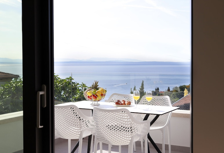 Modena Maris Apartments, Opatija, Apartment, Meerblick (MM3), Zimmer