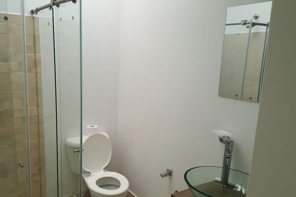 Deluxe - yhden hengen huone, 1 suuri yhden hengen sänky - Kylpyhuone