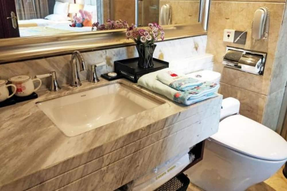 Lake View Twin Room - Bathroom