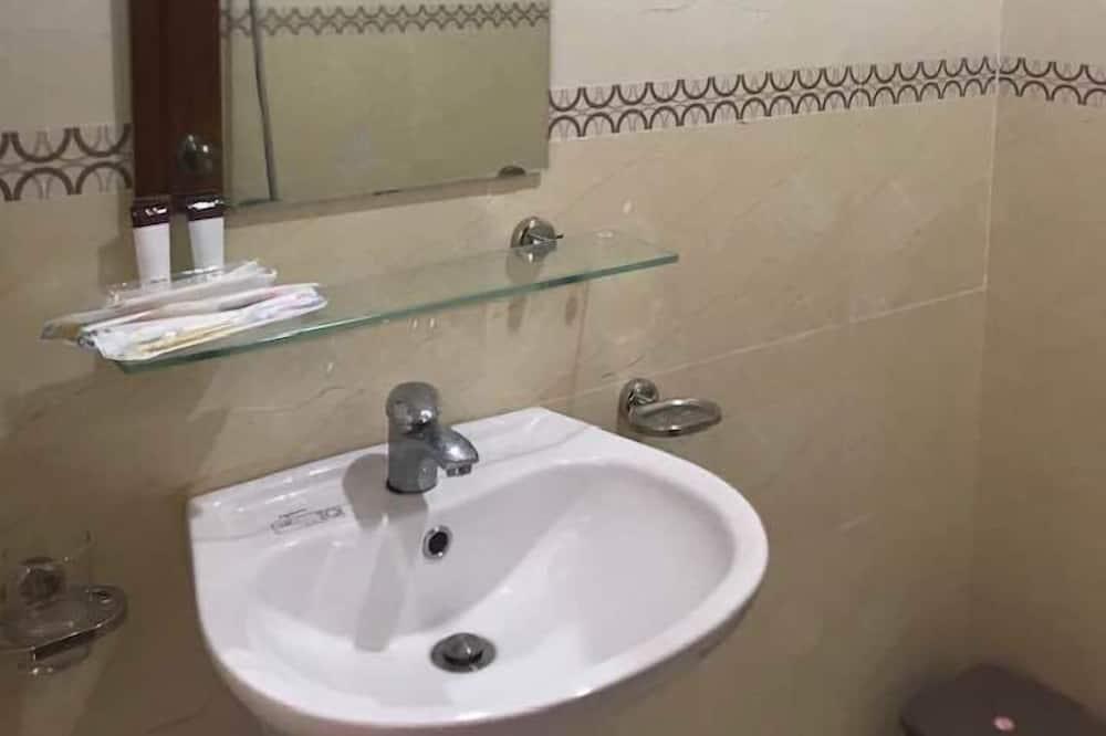 基本雙人或雙床房 (23m2) - 浴室