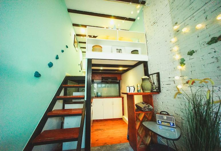 9 號房永嘉路 384 弄地中海迷宮兩臥老洋房, 上海市