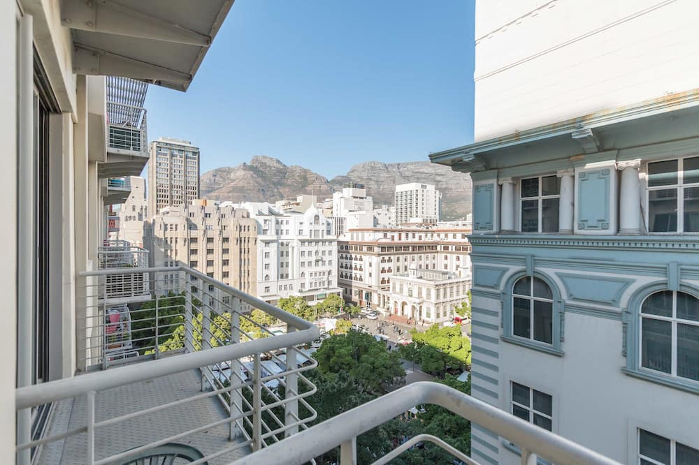 Apartemen Klasik - Balkon