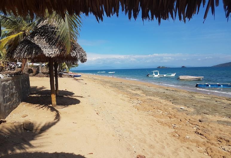 Gite Guyan Lokobe, Nosy Be, Bãi biển