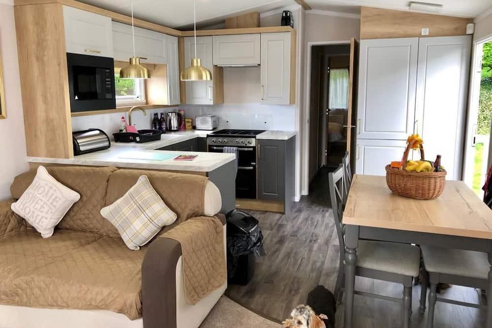 Deluxe Chalet - Living Room