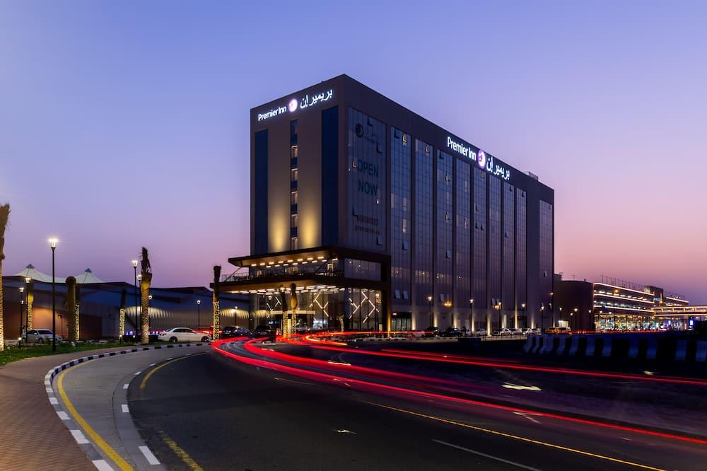Premier Inn Dubai Dragon Mart