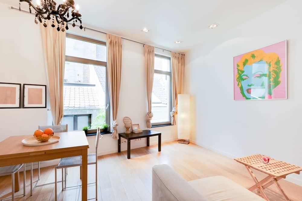 Apartemen Desain, 2 kamar tidur, teras, pemandangan kota - Ruang Keluarga