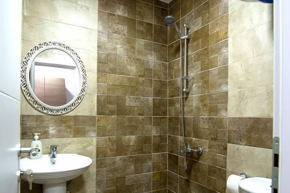 Dreibettzimmer, Bergblick - Badezimmer