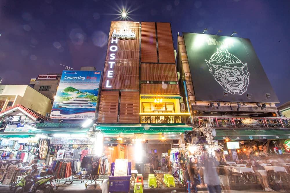 Phranakorn Hostel - Adults Only