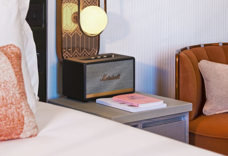 Hart Shoreditch Hotel London, Curio Collection by Hilton, London, Room (Plush Plus), Guest Room