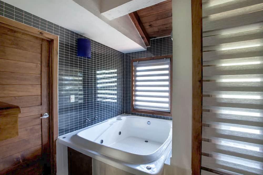 Perfecta para luna de miel C10 - Private spa tub