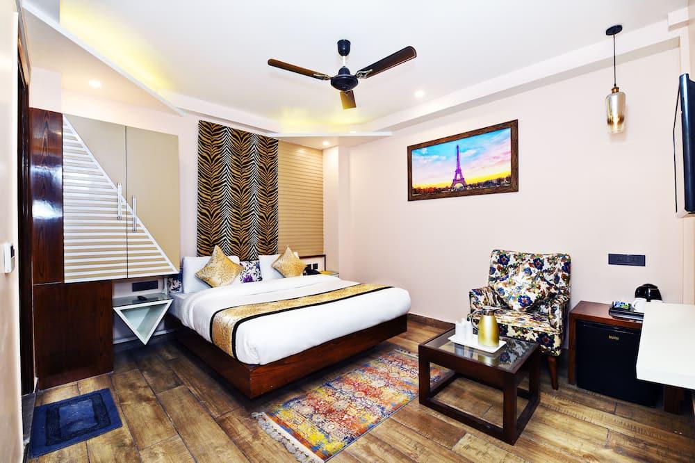 Executive Studio Suite - Living Room
