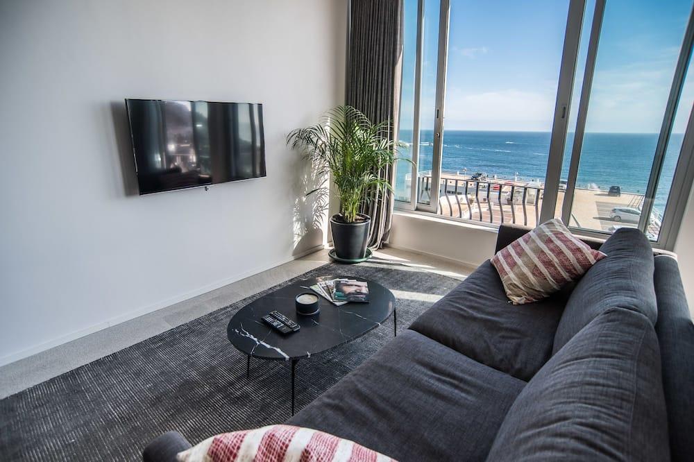 Premier Studio, 1 Bedroom - Living Area