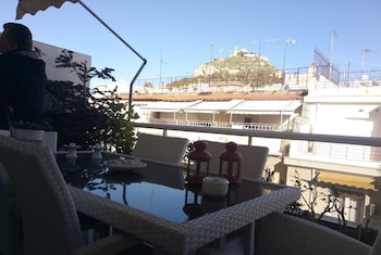 A(z) Luxury Flat with Amazing Lycabetus View hotel fényképe itt: Athén