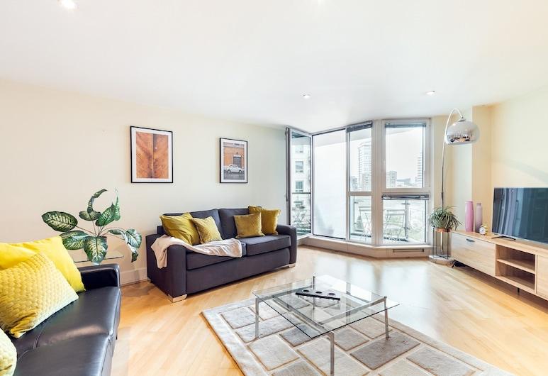 Vauxhall Riverside Private Apartments, London, 2 bedroom apartment 157. Hamilton, Living Room