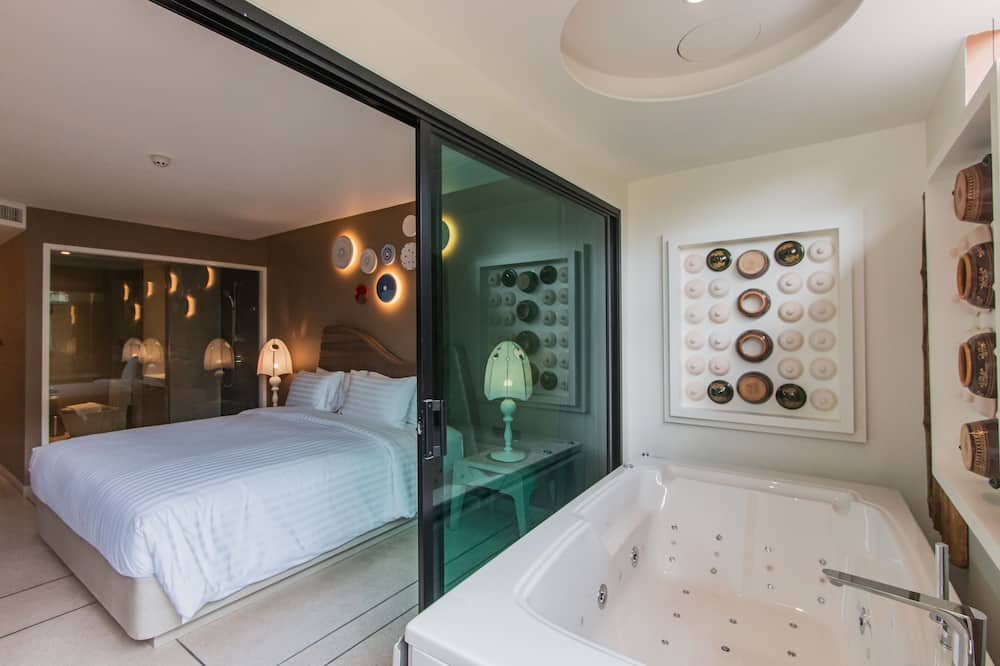 Superior Double Room with Jacuzzi - Bathtub spa pribadi
