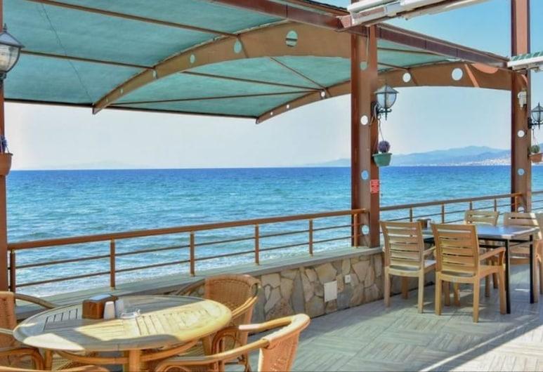 Beykonagi Hotel, Edremit, Restaurante al aire libre