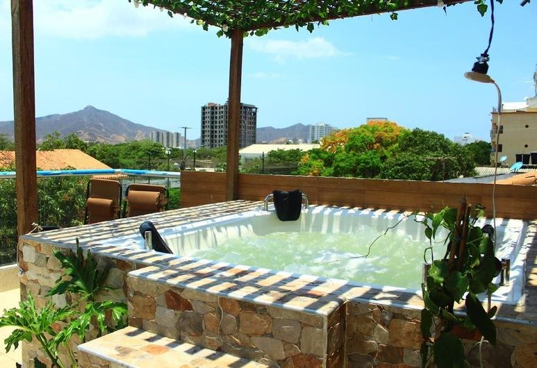 La Monarca Hostel, Santa Marta, Bathtub Spa Luar Ruangan