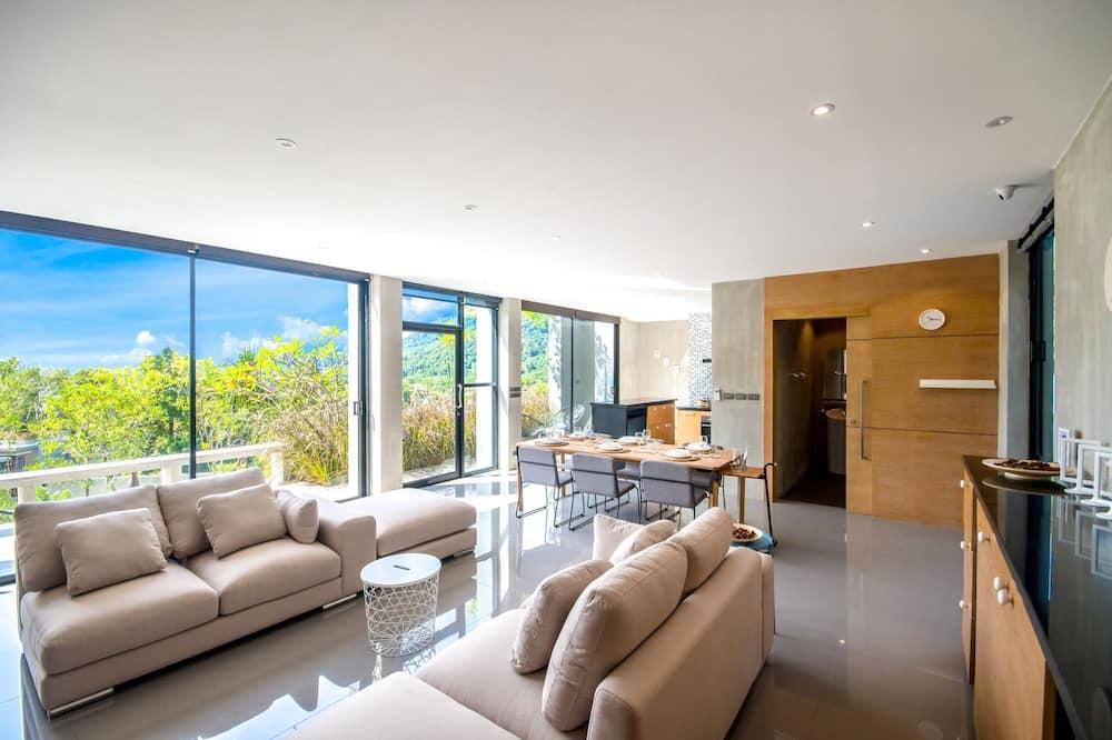 Luksusa villa, skats uz dārzu, baseina puse - Dzīvojamā istaba