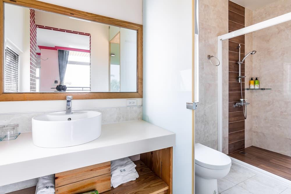 Deluxe Quad Room with Sea View , Balcony - Bathroom