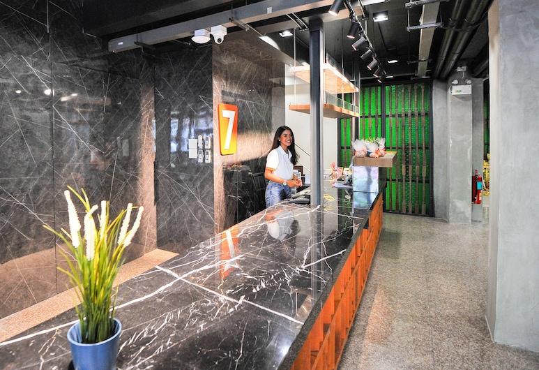 7 デイズ プレミアム アット アイコン サイアム ステーション, バンコク, 内部エントランス