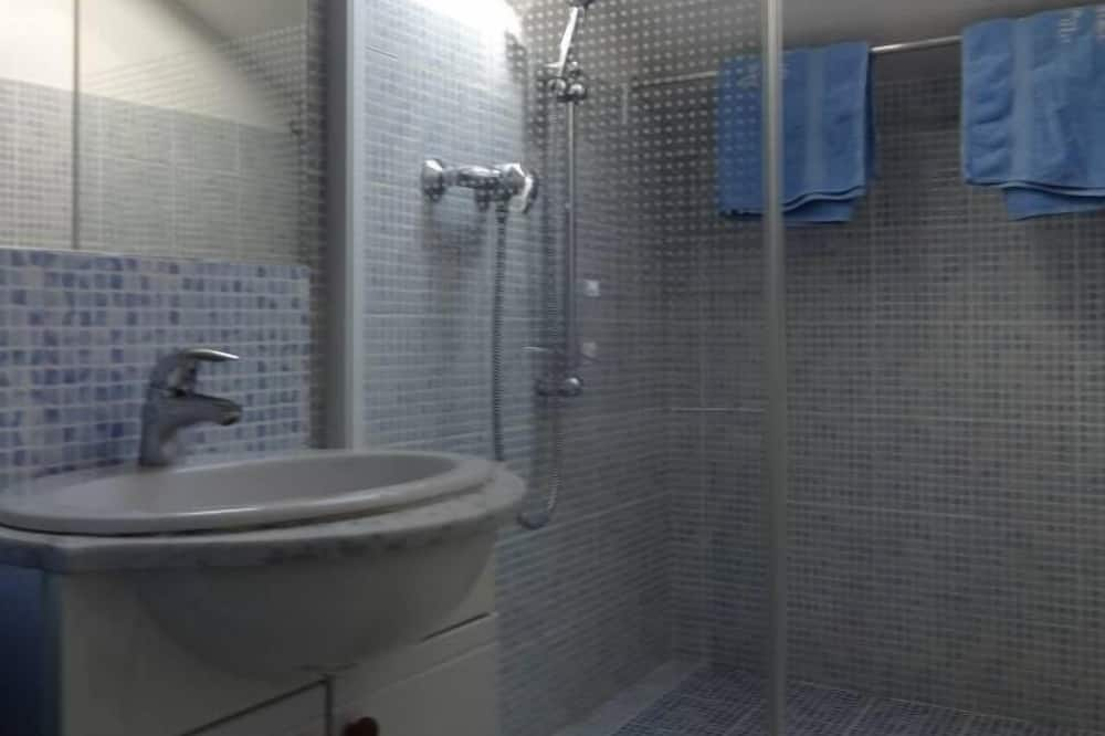 Apartment (La Terrasse) - Bathroom