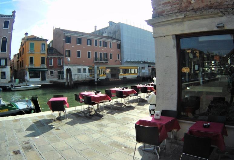 Venice Suite Cannaregio, Venetsia, Ruokailutilat ulkona