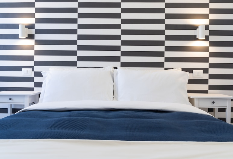 Budget Rooms Carbonazzi 17, Sassari, Basic Double Room, Guest Room