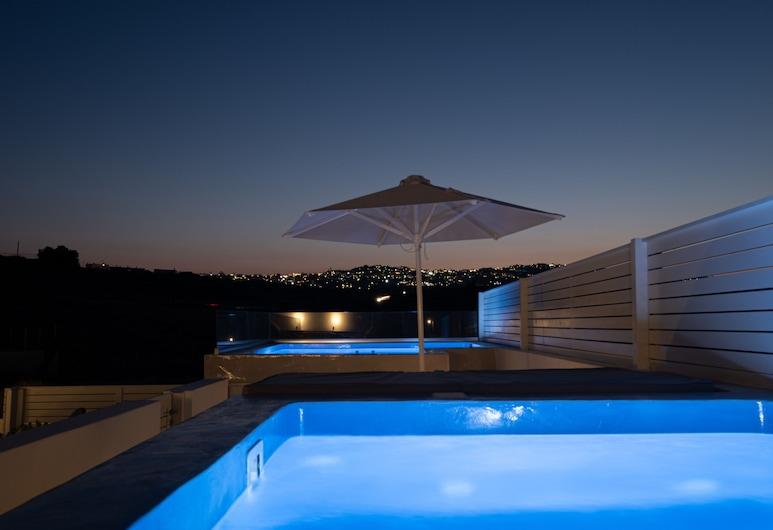 Santoterra Antigua Suites, Santorini, Outdoor Spa Tub