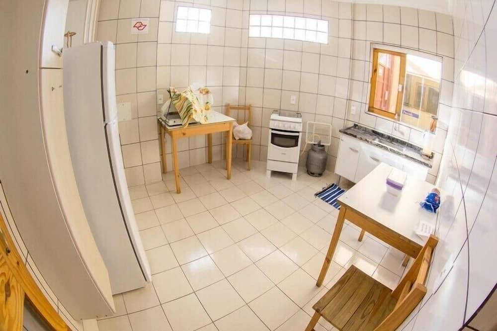 Egyágyas szoba, 1 egyszemélyes ágy - Közös használatú konyha