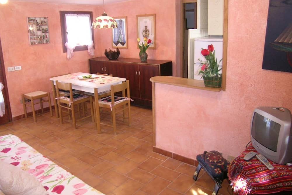 Apartment, 2 Bedrooms (Silvia B) - Living Room