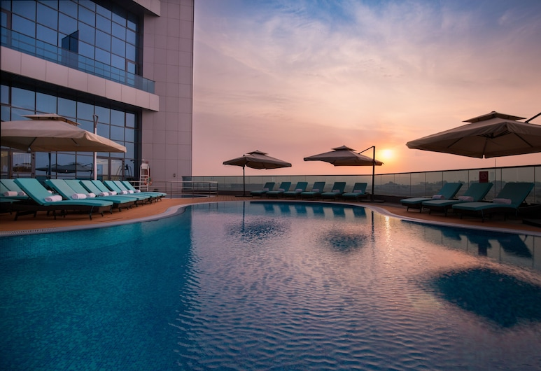 Millennium Place Barsha Heights Hotel Apartments, Dubaj, Venkovní bazén