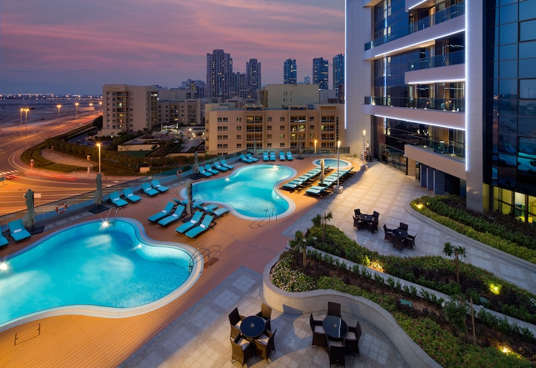 Millennium Place Barsha Heights Hotel Apartments, Dubai, Outdoor Pool