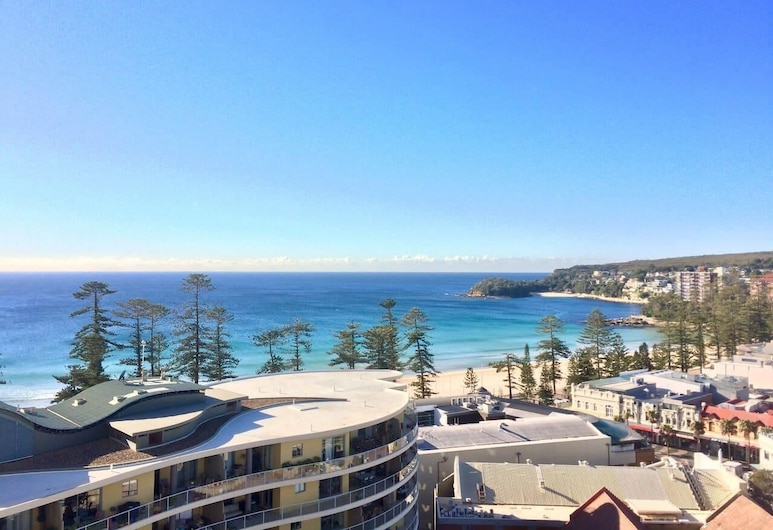1 Bedroom Surfer's View with Parking in Manly, Manly, Balkon