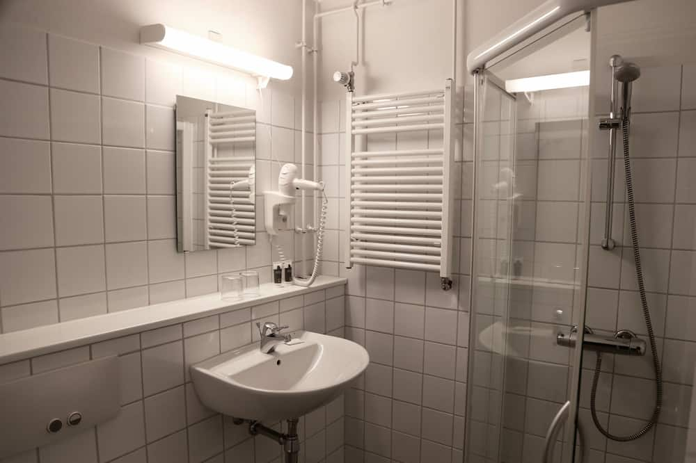 Double Room, Balcony, Sea View - Bathroom