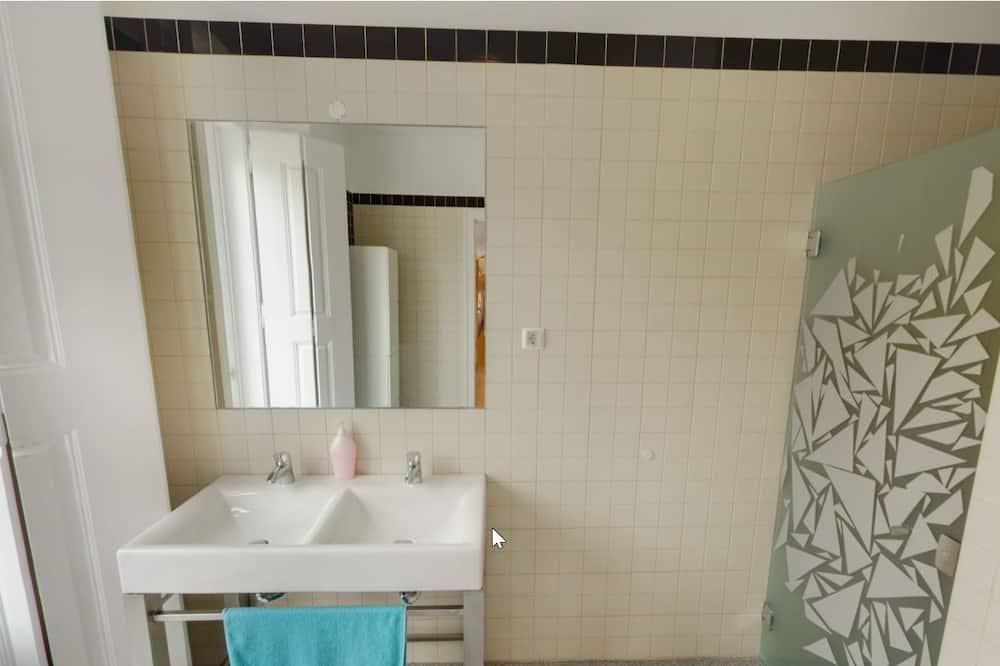 Wspólny pokój wieloosobowy, prywatna łazienka (1 Bed in 6 Bed Mixed Dormitory) - Łazienka