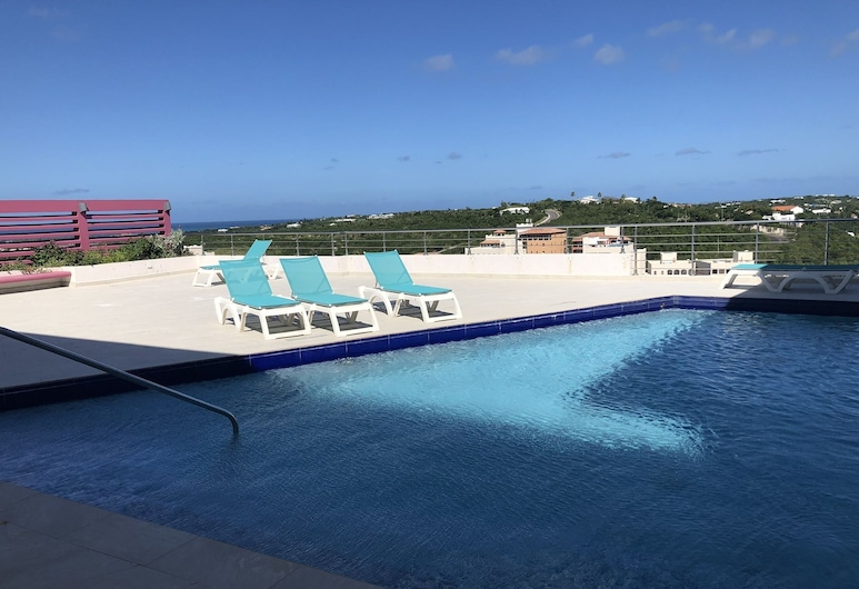 Blue Residences at Blue Mall, Lowlands, Pool